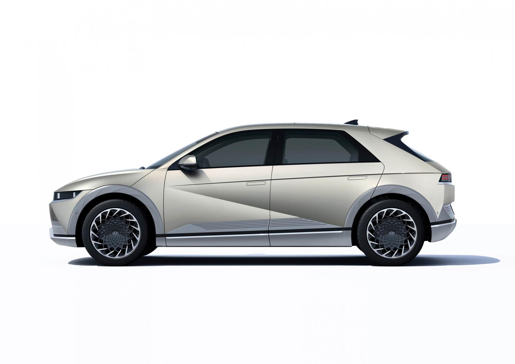 Hyundai IONIQ 5 переосмислює спосіб життя з електричною мобільністю | Івано-Франківськ - фото 12